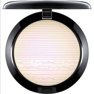 MAC Soft Frost Extra Dimension Skinfinish BNIB